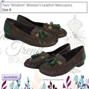 Taos Wisdom Womens Leather Moccasins Size 9
